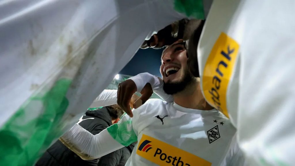 Ramy Bensebaini player of the year with Borussia
